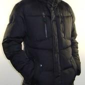 Отличная зимняя куртка со сьемным капюшоном