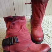 Зима.Ботинки із натуральної шкіри 37 р-р і устілка 24 См.