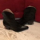 Ботинки із натуральної шкіри,від San Marina,розмір 39,