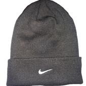 Фирменная двойная шапка Nike. Размер универсальный.