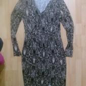 Фирменное трикотажное платье M