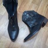 Кожаные ботинки козачки Andre