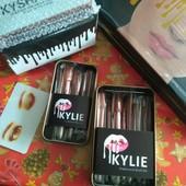 Профессиональный набор кистей для макияжа Kylie 7 и 12 шт