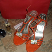 Мега яркие модные босоножки 39р