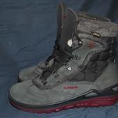 Лот №0357 Ботинки для трекинга Lowa (размер 36)