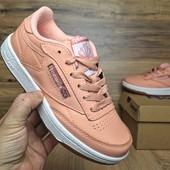 Кроссовки Reebok Workout peach