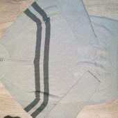 Фирменный свитер в отличном состоянии р.л-хл
