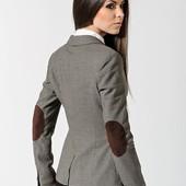 Стильный пиджак с заплатками на локтях, р.48-50