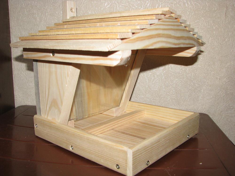 Кормушка для птиц деревянная со стеклом фото №1