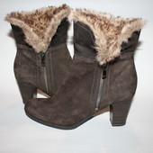 Замшевые ботинки Tamaris, на 24-24,5 см, новые