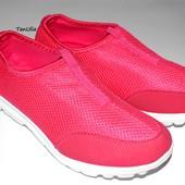 Женские кроссовки сеточки размер 36 (стелька 23 см), очень легкие и удобные!