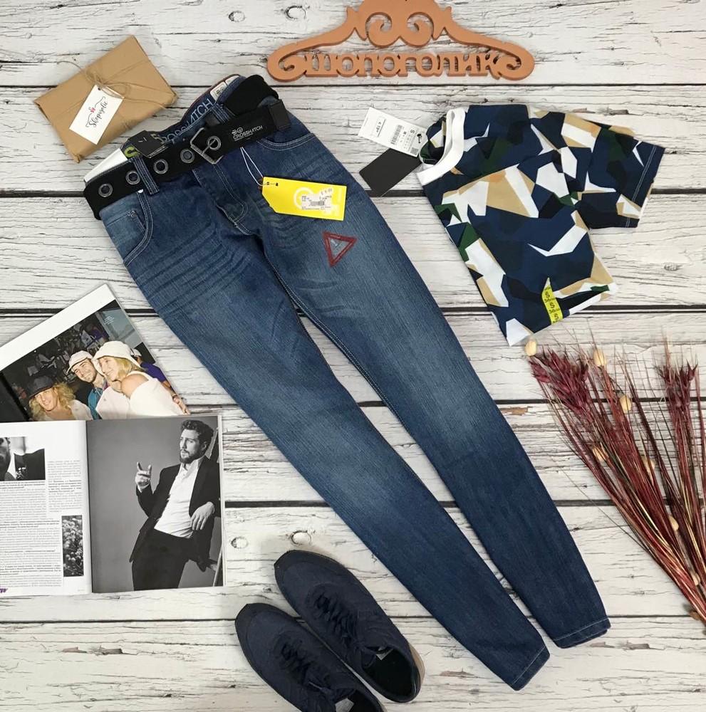 Мужские джинсы с крупным ремнем  pn5385 фото №1