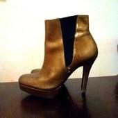 Кожаные золотистые ботинки - 38 р.