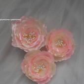 Цветы шиповника на заколках,резинках
