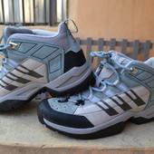 Всесезонные ботинки Adidas Torsion на 40р.