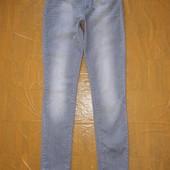 W26 L32, поб 42-44 фирменные! узкачи! джинсы скинни Levi's