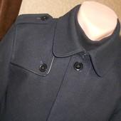 Стильное полу пальто деми. Размер S