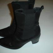 Фирменые стильные кожаные ботинки на 40 размер идеал