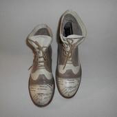 Ботинки от mustang 38 размер