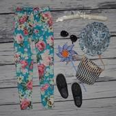 8 лет 128 см яркие фирменные летние брюки девочке цветы