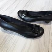 Кожаные туфли Clarks 5,5р. 25 см