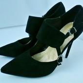 Новые (сток) стильные стильные туфли Manry la Studio на каблуке. Размер 41
