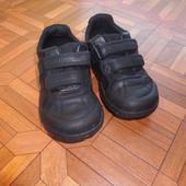 кроссовки кожа Clarks р.26 стелька 16.5 см в хорошем состоянии