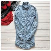 Удлиненная джинсовая рубашка р-р М