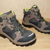 р.33-34 Треккинговые ботинки Quechua , 21,5 см. по стельке