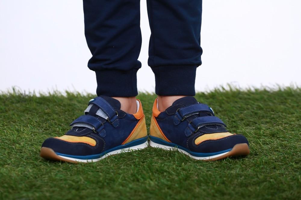 Ортопедические кроссовки для мальчика  фирмы перлина фото №1
