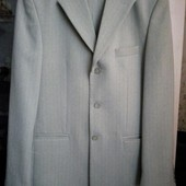 Мужской демисезонный  костюм р. л-хл. Шерсть в составе.