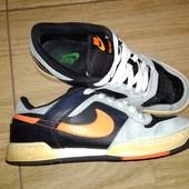 Фирменные кожаные кроссовки 38 /39р Nike. Стелька 25,2