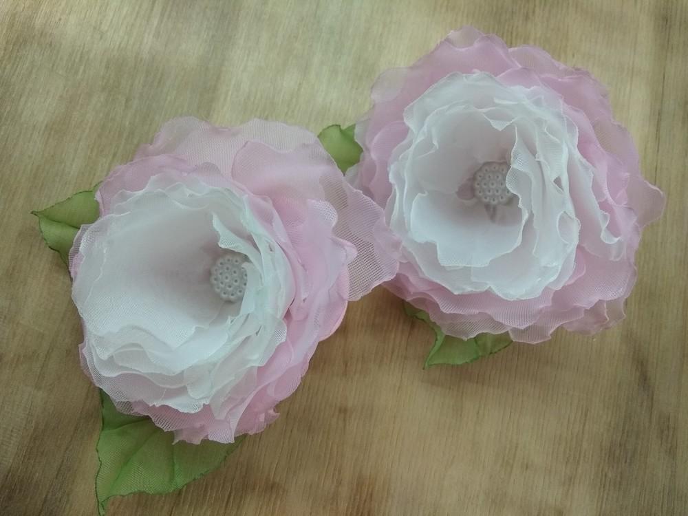 Заколка,  резинка цветы из шифона и атласных лент фото №1