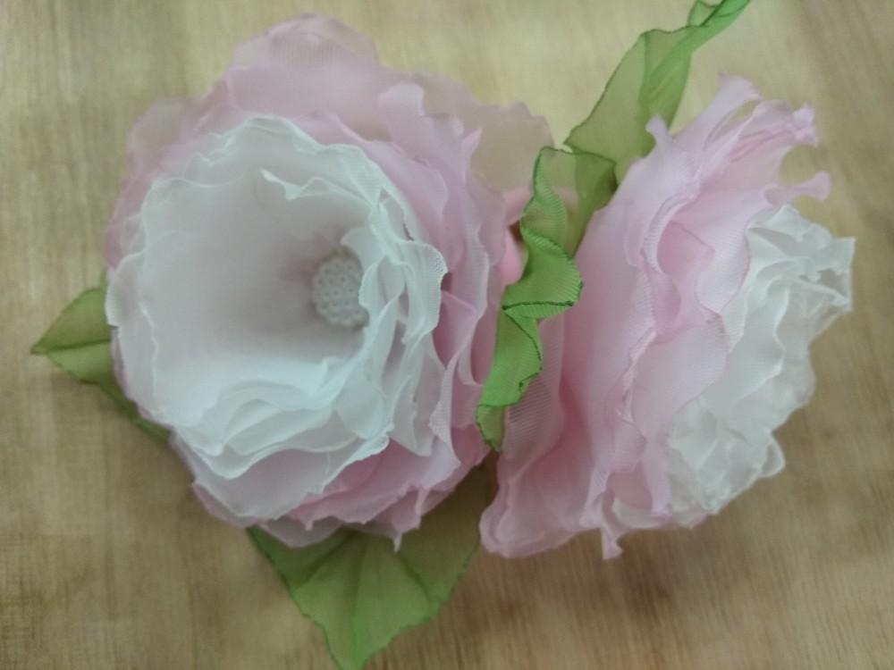 Заколка,  резинка цветы из шифона и атласных лент фото №2