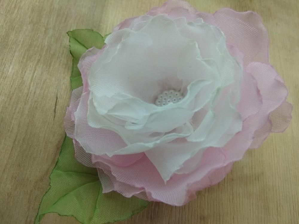 Заколка,  резинка цветы из шифона и атласных лент фото №5