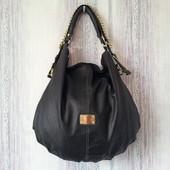 Женская вместительная сумка.