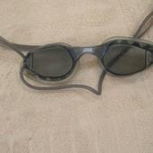 Продам в отличном состоянии,фирменные Zoogs,очки для плавания.