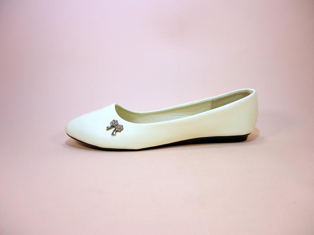 Женские белые балетки под кожу рептилии. размер 36-41. фото №1