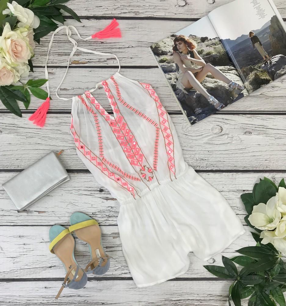 Белый воздушный комбинезон с яркой вышивкой и завязкой за шеей m  ov1830115 фото №1