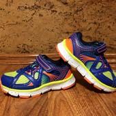 Яркие кроссовки M&S