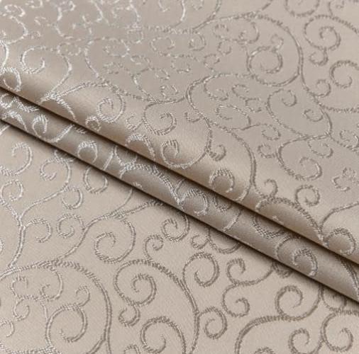 Роскошная классическая скатерть с золотистыми завиками фото №1