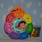 фирменная музыкальная развивающая подвеска песенки цвета Дора Даша Следопыт Dora на двух языках