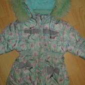 Теплая курточка на 2-4 годика.