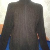 Тёплый мужской свитер/кофта на замке под горло.