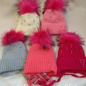 Красивейшие и тепленькие шапочки для принцесс!На флисе и на завязках. 5цветов.2-5лет