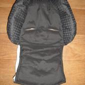 Maxi cosi Ортопедический вкладыш для новорожденных в автокресло.