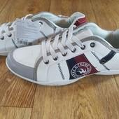 Мужские кроссовки,размер 41,45