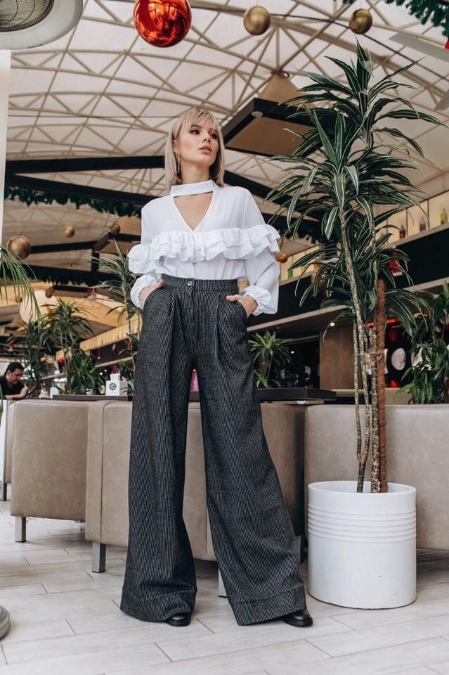 Стильные женские брюки клеш фото №1