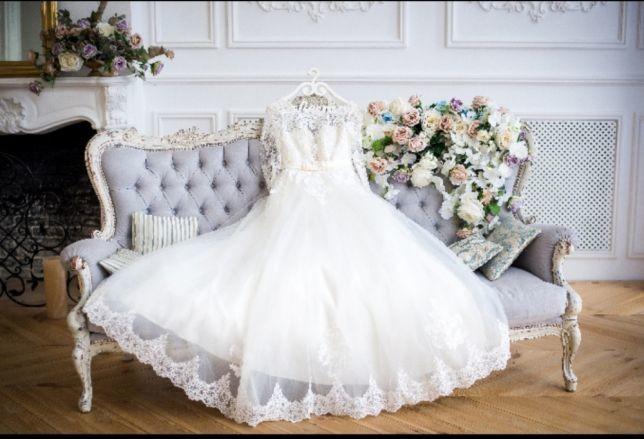 Шикарное свадебное платье фото №1