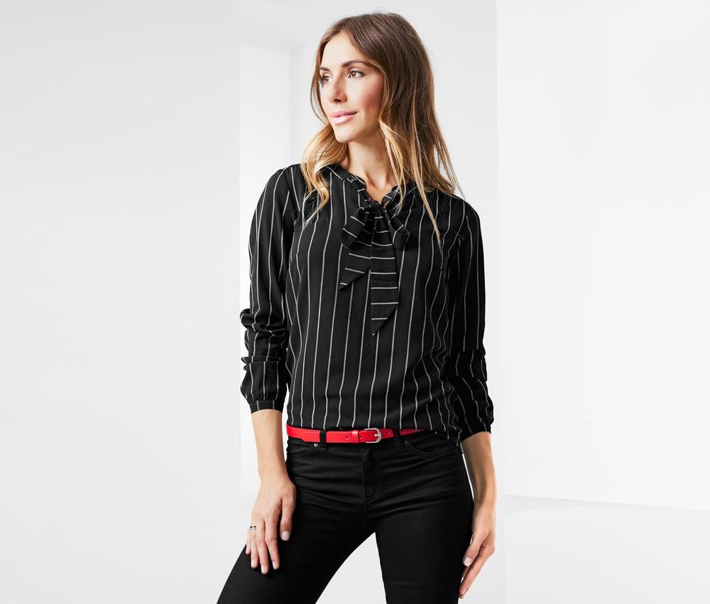 Шикарная блузка тсм чибо. 42 евро фото №1